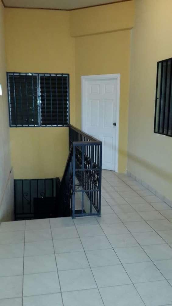 Se renta apartamento en el hato