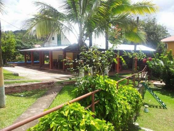 Casa y propiedad de 4500vrs en venta a un costado de villas del campo km. 8 a danli, teguc