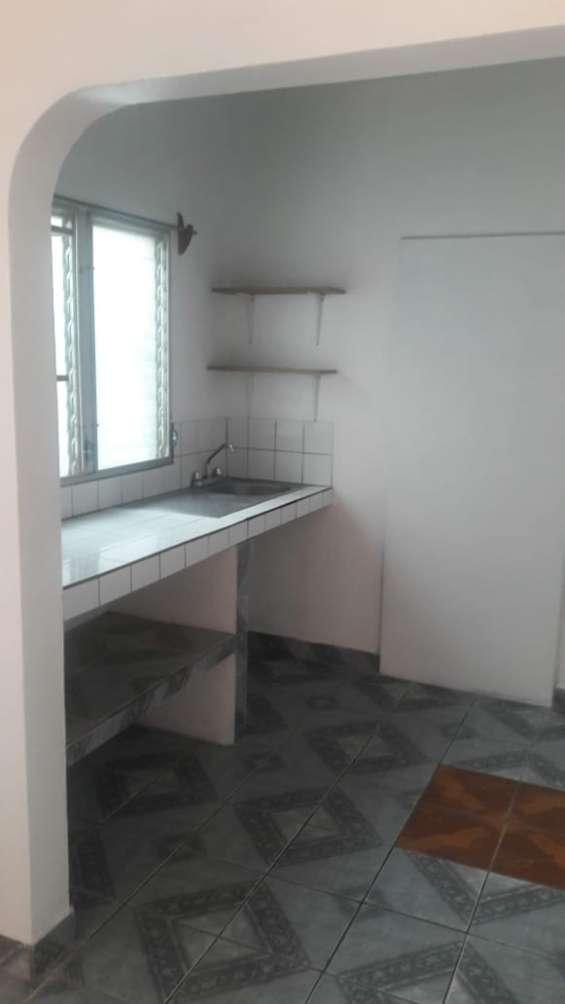 Se renta apartamento en res altos del trapiche